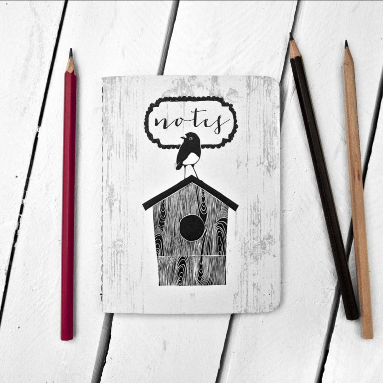 small_notebook_robin_on_birdhouse_1