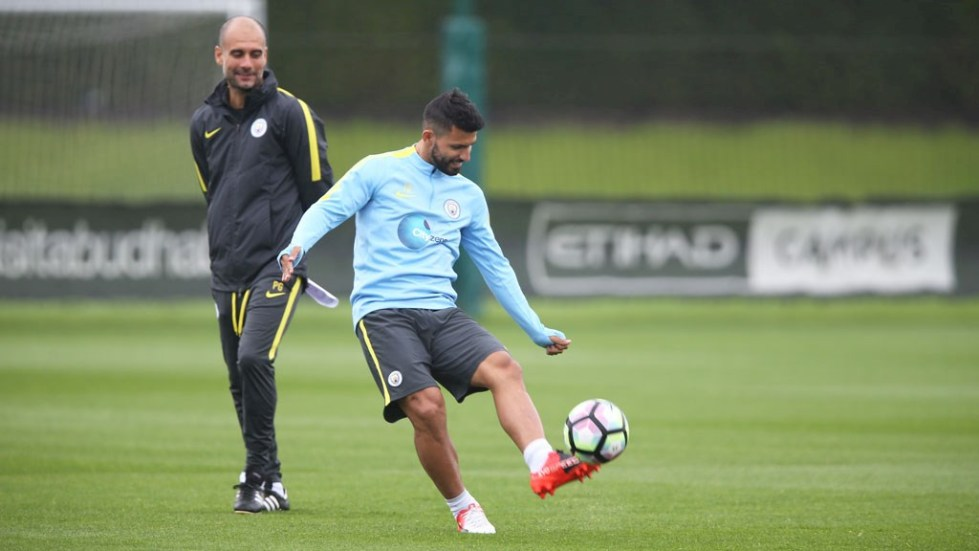 web-Pep-Guardiola-watches-over-Sergio-Aguero-A78Q4380