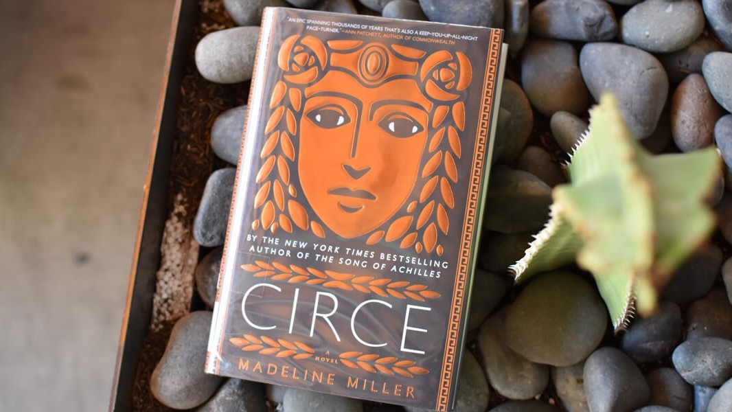 WIDECirce-Review-Book-Club-Chat